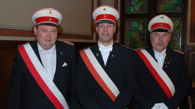 Drei Beförderungen zum Oberleutnant